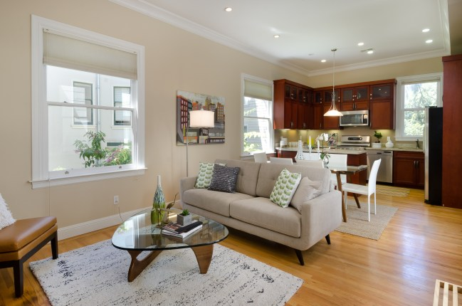 For Sale: 1674 Hayes; NOPA Flat That Has It All