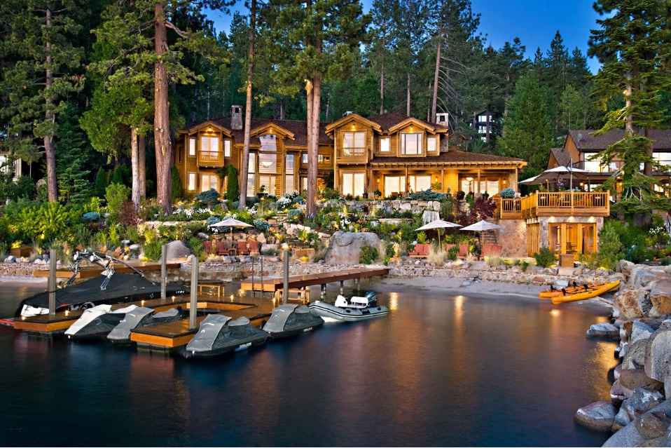 "Larry Ellison Sells Tahoe ""Pad"" for $20.3M | Inside Tim Lincecum's $4M Arizona Abode"
