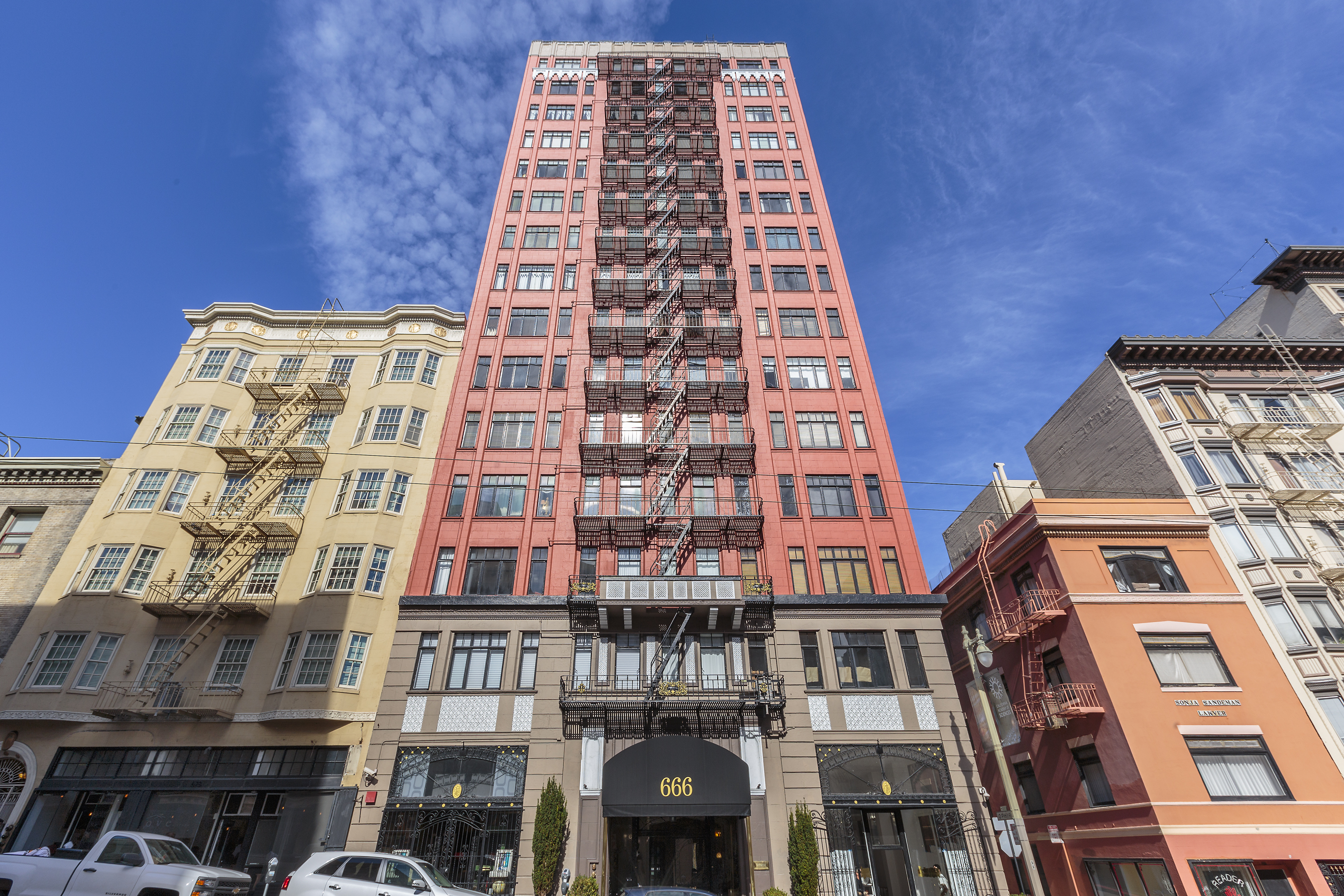 For Sale | Eco-Friendly Art Deco In Downtown San Francisco | $749,000