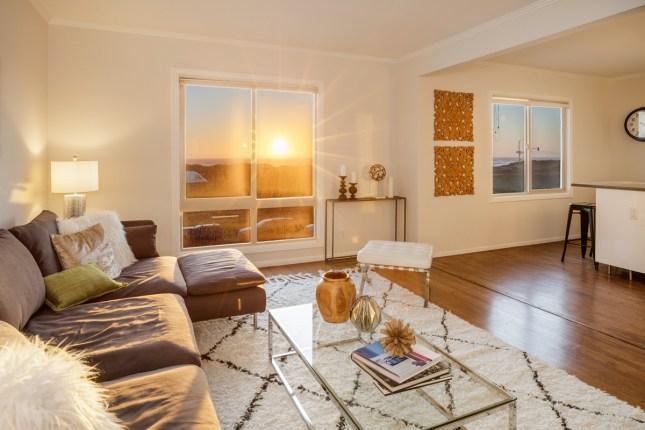 Top Floor Booming Ocean View Condo Not To Be Missed | $899,0...