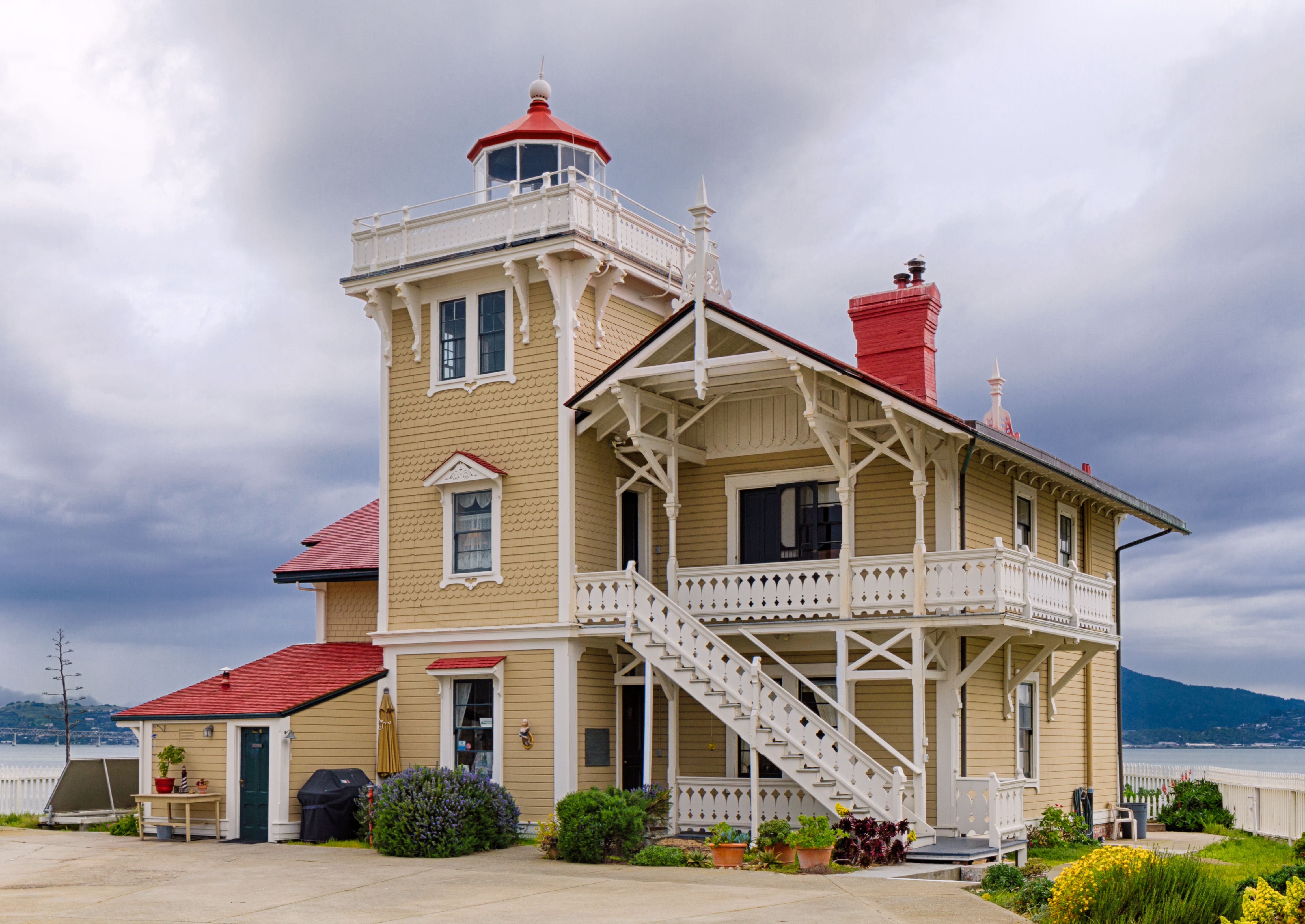 They'll Pay You $140K To Live In This Victorian On a Remote Island
